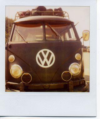 Pola black bus